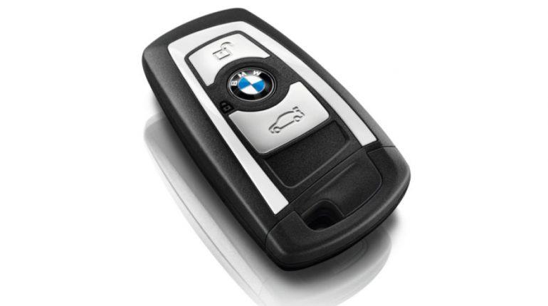 llaves de coche en el acto